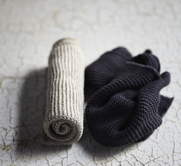 Knitted wash- and dishcloth 2-pack